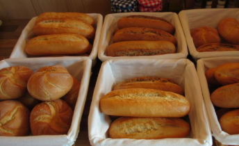 's morgens vers gebakken broodjes