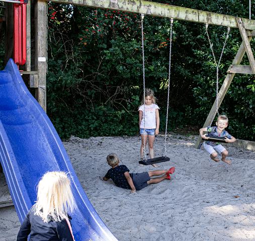 Speeltuin in de schaduw in Drenthe